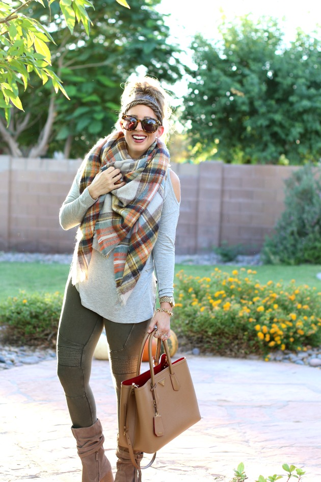blanket-scarf-moto-leggings-cold-shoulder-top-p-4