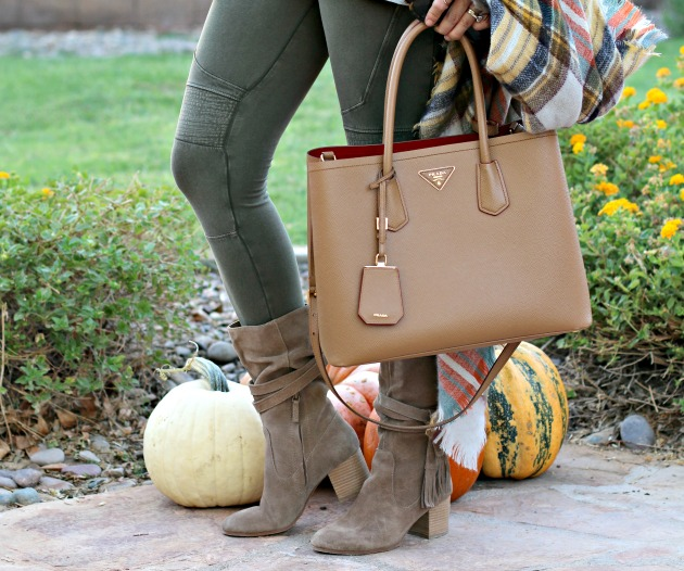 blanket-scarf-moto-leggings-cold-shoulder-top-prada-bag-and-tassel-booties-3