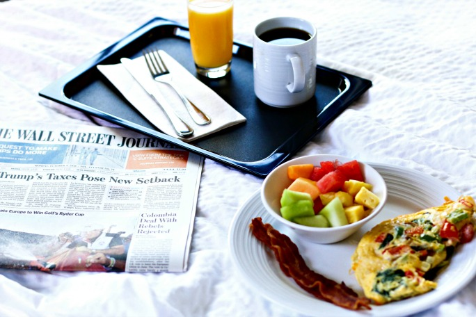hotel-breakfast-travel