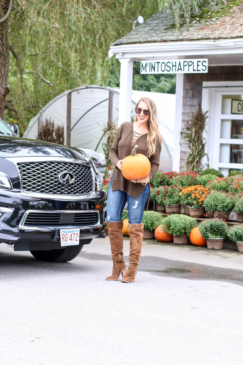 Hertz Infiniti SUV, pumpkins and over the knee boots